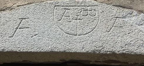 arco temporale a Arles sur Tec (Francia)